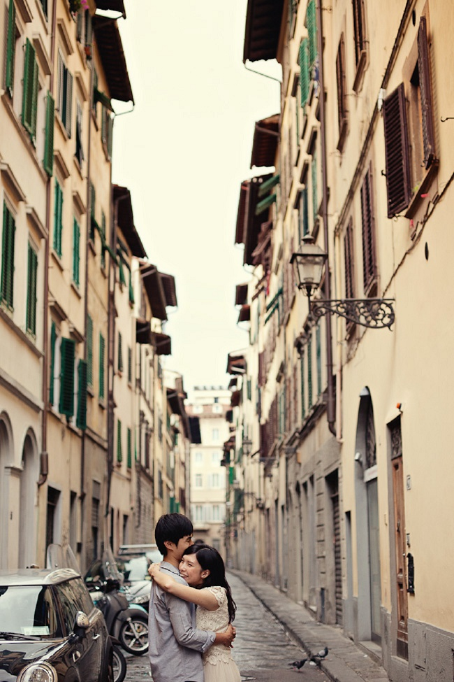 creative engagement photography Italy