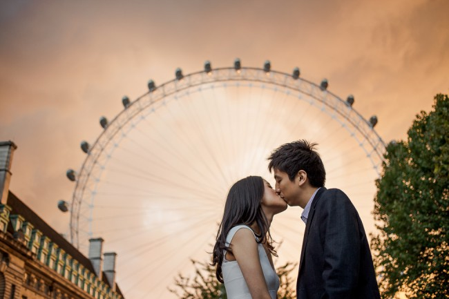 London engagement session by Marianne Taylor.
