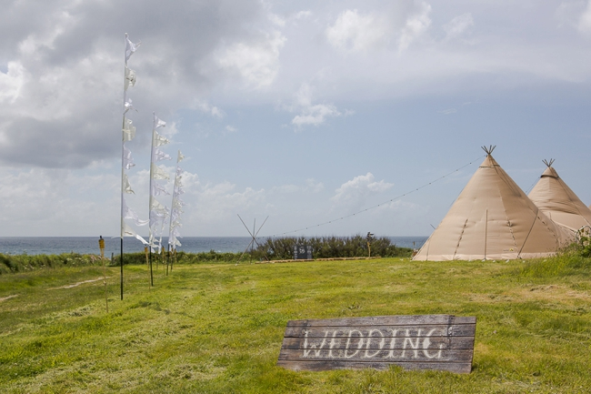Wedding-In-Cornwall-on-clifftop-beach-0042