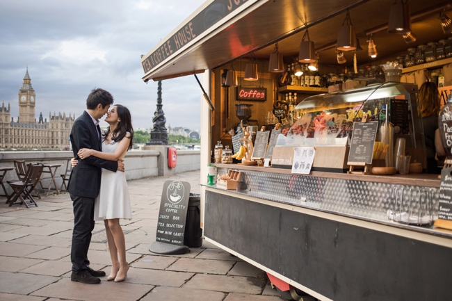 Romantic London locations for people in love. Click through and have a love affair with London!