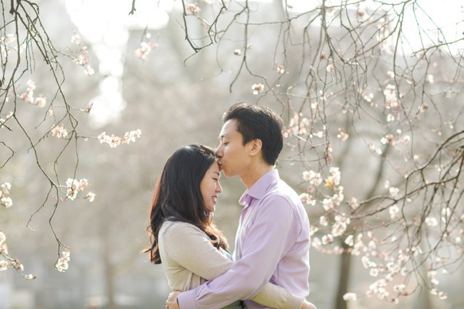 London spring cherry blossom engagement photography. Marianne Taylor Photography. Click through to see more!