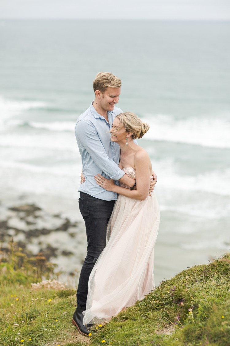 Anniversary photography by the sea. Click through to see more magic of Cornwall!