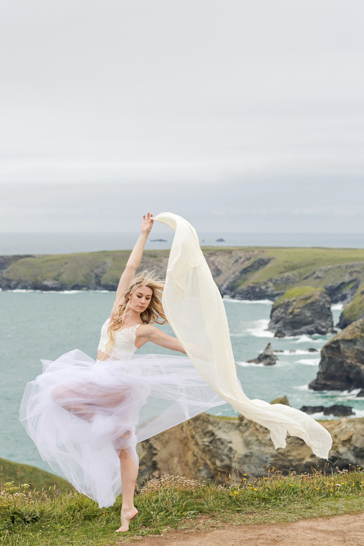 Siren of the Sea. Magical dancer portraits in Cornwall. Click through to see more!