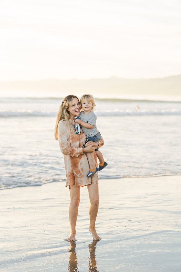 California Venice Beach family photography by Marianne Taylor click through to see more!