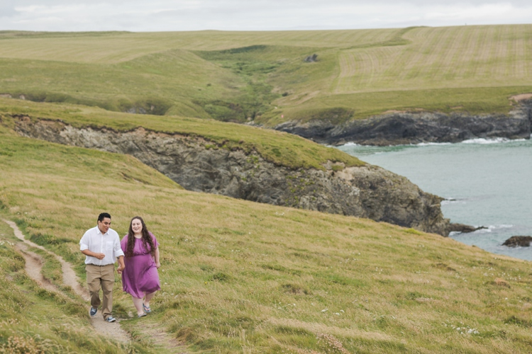 Cornwall Newquay engagement couple photography by Marianne Taylor.